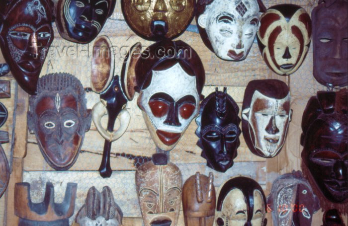 nigeria22: Nigeria - Lagos / LOS: ceremonial masks - Lekki market - photo by Dolores CM - (c) Travel-Images.com - Stock Photography agency - Image Bank