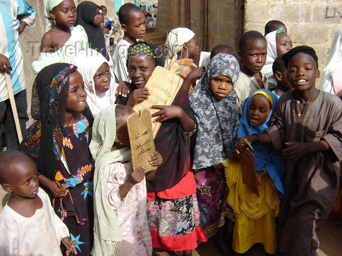 nigeria35: Nigeria - Kano: school children - Arabic lessons - hijab - photo by A.Obem - (c) Travel-Images.com - Stock Photography agency - Image Bank