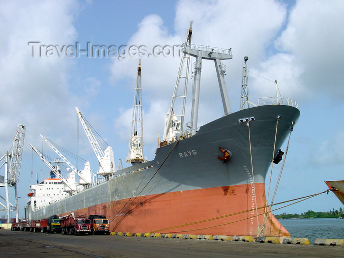 nigeria48: Lagos, Nigeria: freighter in the port - the Rays - photo by A.Bartel - (c) Travel-Images.com - Stock Photography agency - Image Bank