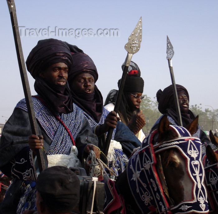 nigeria59: Kano, Nigeria: Salla Durbar festival - elaborately dressed knights pay tribute to the Emir of Kano - Eid al-Adha - Aïd el-Kebir - photo by A.Obem - (c) Travel-Images.com - Stock Photography agency - Image Bank