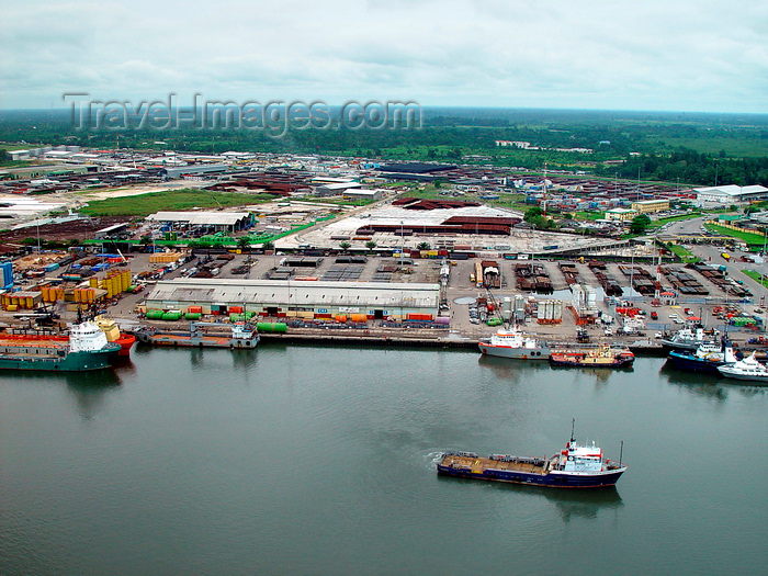 nigeria62: Port Harcourt, Rivers State, Nigeria: ships in the port - Bonny River - photo by A.Bartel - (c) Travel-Images.com - Stock Photography agency - Image Bank