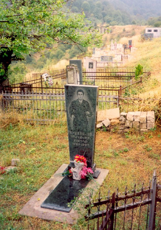 nk30: Nagorno Karabakh - Gandzasar: grave of a young soldier - Karabakh war - photo by M.Torres - (c) Travel-Images.com - Stock Photography agency - Image Bank