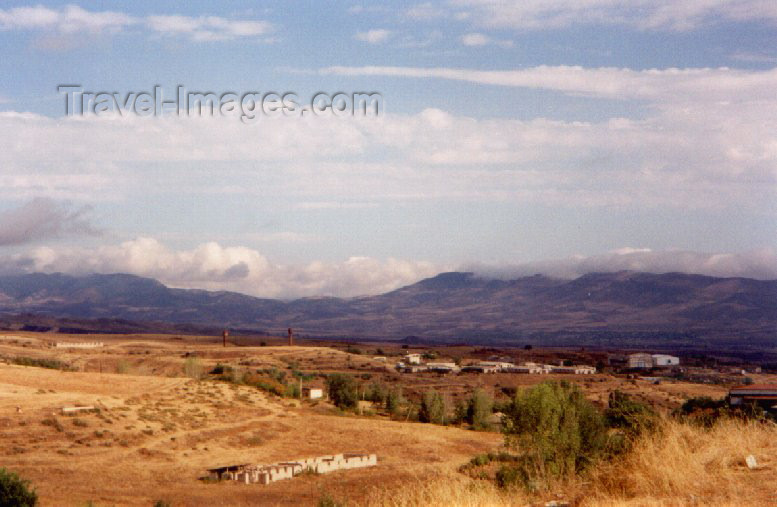 nk9: Nagorno Karabakh - Xankandi / Stepanakert: the outskirts (photo by M.Torres) - (c) Travel-Images.com - Stock Photography agency - Image Bank