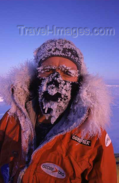 north-pole3: above the 89th parallel - Eric Philips en route to the North Pole from Siberia (photo by Eric Philips) - (c) Travel-Images.com - Stock Photography agency - Image Bank