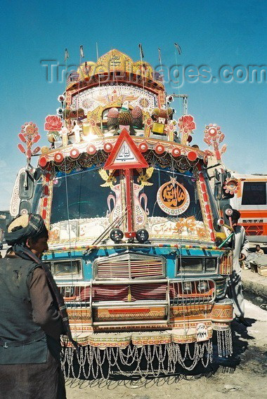 pakistan10: Pakistan - Quetta - Baluchistan: Pakistani bus / Pákistánský autobus with exuberant decoration - Kvéta - photo by J.Kaman - (c) Travel-Images.com - Stock Photography agency - Image Bank