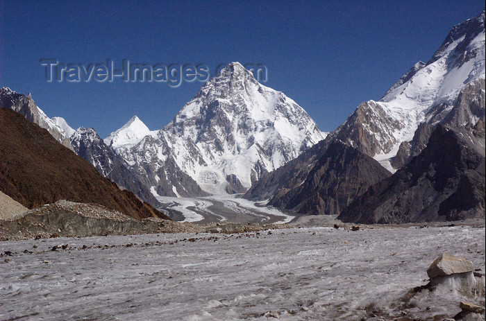 pakistan128: Pakistan - K2 - Baltoro Muztagh subrange - Karakoram mountains - Himalayan range - Northern Areas: K2 - the second-highest mountain on Earth - 8,611m - seen from the glacier - aka Qogir Feng, Mount Godwin-Austen, Lambha Pahar, Dapsang, Kechu, Chogori - ph - (c) Travel-Images.com - Stock Photography agency - Image Bank