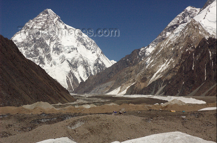 pakistan129: Pakistan - K2 - Baltoro Muztagh subrange - Karakoram mountains - Himalayan range - Northern Areas: K2 - the second-highest mountain on Earth - 8,611m - aka Qogir Feng, Mount Godwin-Austen, Lambha Pahar, Dapsang, Kechu, Chogori - photo by A.Summers - (c) Travel-Images.com - Stock Photography agency - Image Bank