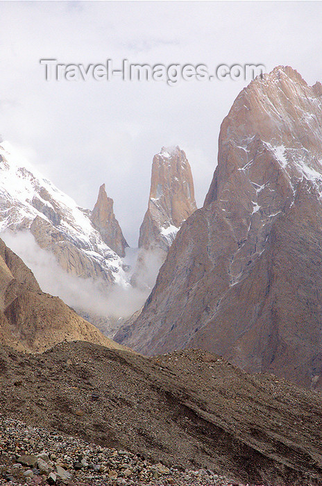 pakistan130: Pakistan - Trango Towers - Baltoro Muztagh subrange - Karakoram mountains - Himalayan range - Northern Areas: group of dramatic granite spires located on the north side of the Baltoro Glacier - photo by A.Summers - (c) Travel-Images.com - Stock Photography agency - Image Bank