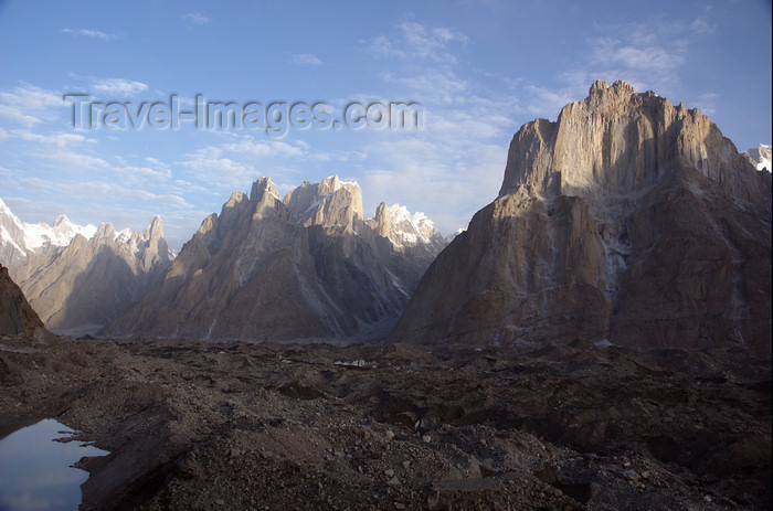 pakistan135: Pakistan - Trango Towers - Baltoro Muztagh subrange - Karakoram mountains - Himalayan range - Northern Areas: skyline - photo by A.Summers - (c) Travel-Images.com - Stock Photography agency - Image Bank