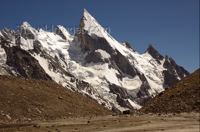 pakistan137: Pakistan - Laila Peak - Hushe valley - Karakoram mountains - Himalayan range - Northern Areas: one of the most beautiful mountains of the world - view from from Gondogoro Glacier - photo by A.Summers - (c) Travel-Images.com - Stock Photography agency - Image Bank