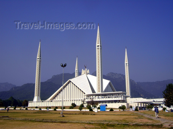 pakistan138: Islamabad, Pakistan: Faisal mosque - a giant  Bedouin's tent designed by Turkish architect Vedat Dalokay - located at the end of Shaharah-e-Islamabad - photo by D.Steppuhn - (c) Travel-Images.com - Stock Photography agency - Image Bank