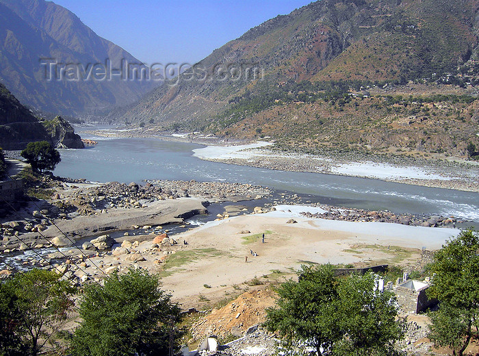 pakistan155: Batagram District, North-West Frontier, Pakistan: junction of the Indus and Kunhar River rivers, near Thakot - photo by D.Steppuhn - (c) Travel-Images.com - Stock Photography agency - Image Bank