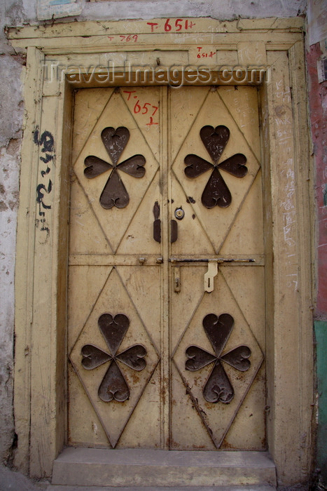 pakistan16: Peshawar, NWFP, Pakistan: clovers - door in the Old City - photo by G.Koelman - (c) Travel-Images.com - Stock Photography agency - Image Bank