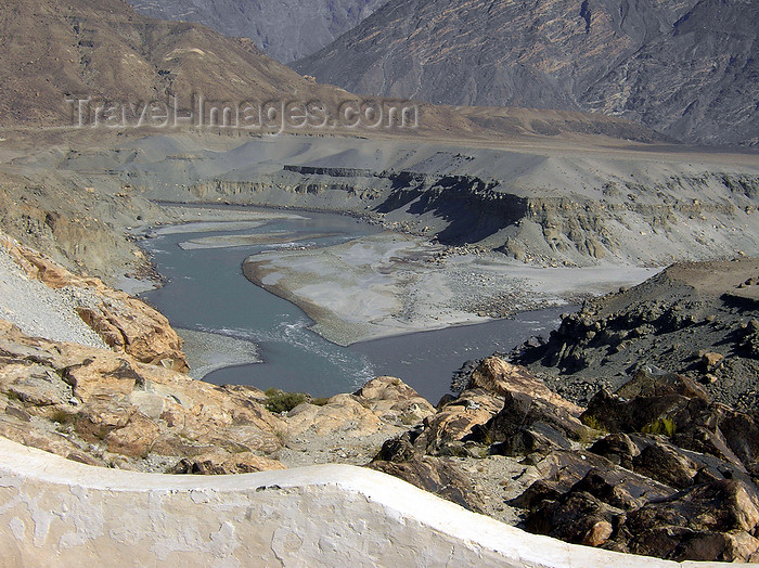 pakistan160: Gilgit district - Northern Areas, Pakistan: the Gilgit river joins the Indus river - junction point - Karakoram Highway - photo by D.Steppuhn - (c) Travel-Images.com - Stock Photography agency - Image Bank