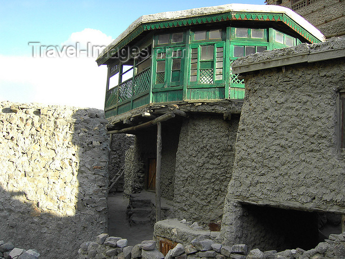 pakistan175: Karimabad / Altit - Northern Areas, Pakistan: traditional architecture - Karimabad is named after Prince Karim Agha Khan, head of the Shia Ismaili Nizari sect - photo by D.Steppuhn - (c) Travel-Images.com - Stock Photography agency - Image Bank