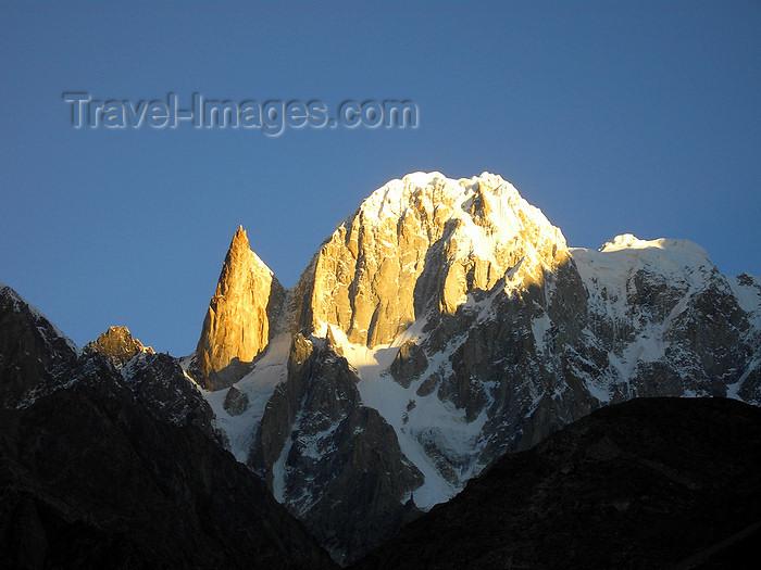 pakistan184: Karimabad / Baltit - Northern Areas / FANA, Pakistan: Lady Finger (6000m) and Ultar Sar peak (7233n) at sunrise - Batura Muztagh, Karakoram range - photo by D.Steppuhn - (c) Travel-Images.com - Stock Photography agency - Image Bank