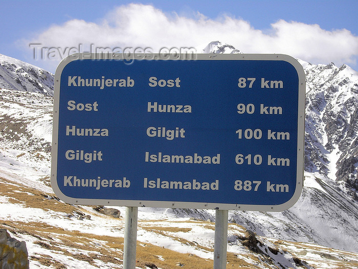 pakistan185: Khunjerab Pass, Hunza valley, Northern Areas / FANA - Pakistan-administered Kashmir: sign with road distances into Pakistan - KKH - photo by D.Steppuhn - (c) Travel-Images.com - Stock Photography agency - Image Bank