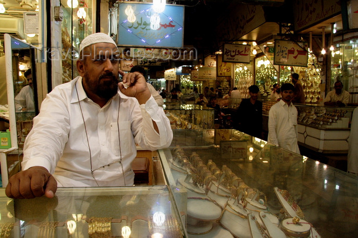 pakistan196: Lahore, Punjab, Pakistan:jeweler waiting for customers at the gold market - photo by G.Koelman - (c) Travel-Images.com - Stock Photography agency - Image Bank