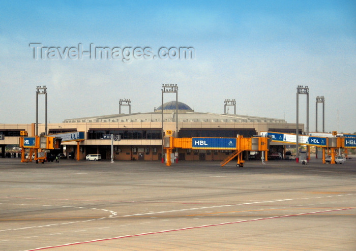 pakistan36: Karachi, Sindh, Pakistan: Jinnah International Airport - KHI - Karachi Airport, former Quaid-e-Azam airport - ICN - concourse West - airside - photo by M.Torres - (c) Travel-Images.com - Stock Photography agency - Image Bank
