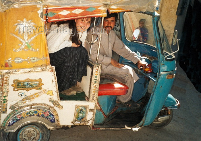 pakistan41: Pakistan - Quetta - Baluchistan: rickshaw - tuk-tuk - photo by J.Kaman - (c) Travel-Images.com - Stock Photography agency - Image Bank