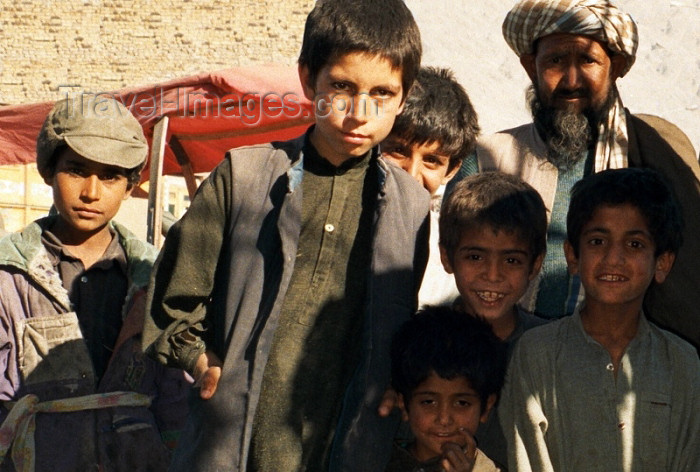 pakistan43: Quetta - Baluchistan, Pakistan: kids from Afghanistan - refugees - Kvéta - photo by J.Kaman - (c) Travel-Images.com - Stock Photography agency - Image Bank