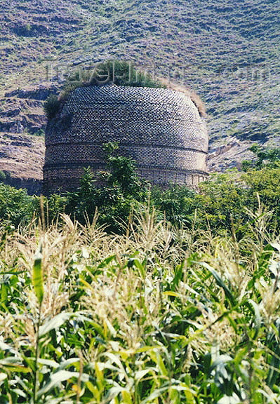 pakistan48: Pakistan - Gilet - Northern Areas: an ancient tomb surrounded by corn fields (photo by Galen Frysinger) - (c) Travel-Images.com - Stock Photography agency - Image Bank