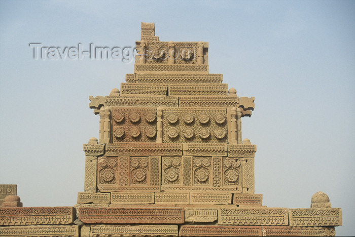 pakistan72: Pakistan - Chaukundi Tombs, Sindh: engraved tomb at Chaukandi graveyard - ornate decoration - exquisite carving - photo by R.Zafar - (c) Travel-Images.com - Stock Photography agency - Image Bank