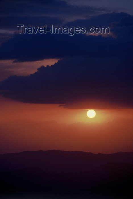 pakistan88: Pakistan - Murree Hills / Margalla Hills: sunset near Murree - photo by R.Zafar - (c) Travel-Images.com - Stock Photography agency - Image Bank