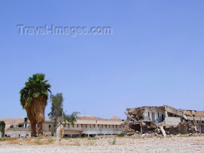 palest10: Palestine - West Bank - Jericho: war on display - destroyed building just across the border between Israel and the Palestine territories - photo by M.Bergsma - (c) Travel-Images.com - Stock Photography agency - Image Bank