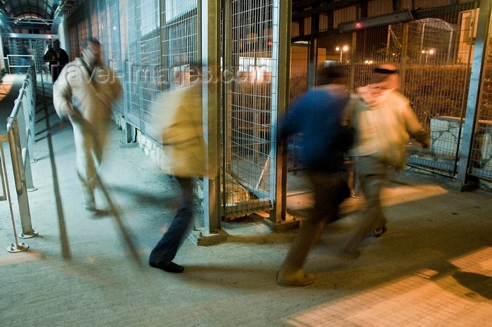 palest44: Bethlehem, West Bank, Palestine: Palestinians hurrying through checkpoint for work in Jerusalem - photo by J.Pemberton - (c) Travel-Images.com - Stock Photography agency - Image Bank