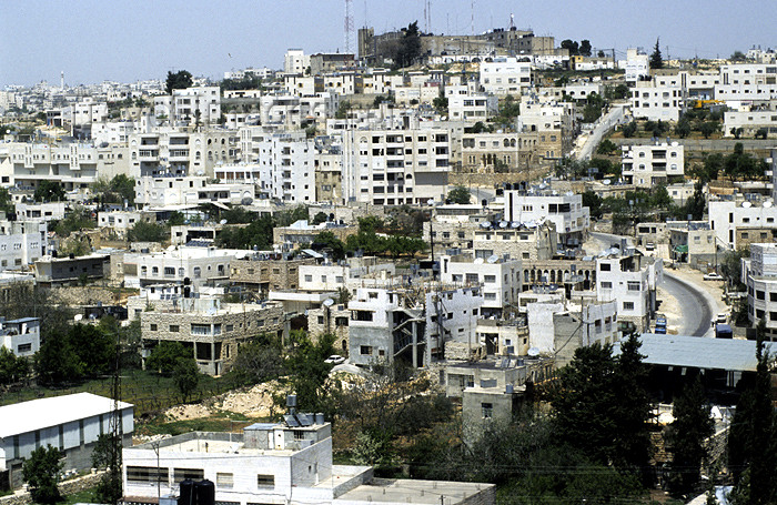 palest6: Palestine - West Bank - Hebron: dense construction on the hills - photo by Walter G. Allgöwer - Hebron ist eine Stadt im Westjordanland (Palästinensisches Autonomiegebiet) mit rund 80.000 Einwohnern (Einwohnerzahl basierend auf Schätzungen). Die Stadt lie - (c) Travel-Images.com - Stock Photography agency - Image Bank