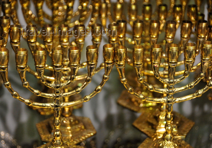 palest79: Bethlehem, West Bank, Palestine: menorahs for sale - seven-branched candelabrum used in the ancient Tabernacle - emblem of Israel - symbolizes universal enlightenment - photo by M.Torres - (c) Travel-Images.com - Stock Photography agency - Image Bank