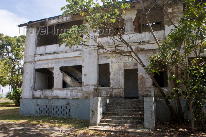 panama457: Panama City / Ciudad de Panama: destroyed army barracks from 1989 US Invasion of Panama - Amador Causeway  - photo by H.Olarte - (c) Travel-Images.com - Stock Photography agency - Image Bank