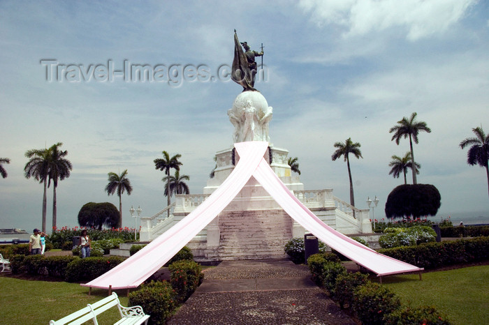 panama5: Panama - Panama City - statue of Balboa with a double tail - sculpted by Miguel Blan and Mariano Benlliure i Gil - donated by King Alfonso XIII of Spain - photo by D.Smith - (c) Travel-Images.com - Stock Photography agency - Image Bank