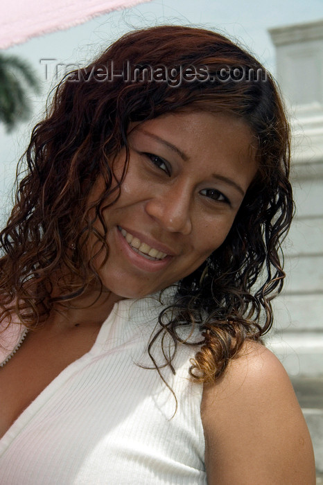 panama6: Panama - Panama City: young woman - Panameña - photo by D.Smith - (c) Travel-Images.com - Stock Photography agency - Image Bank