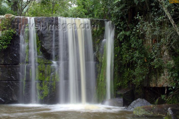 paraguay11: Paraguay - Ybycui National Park - Departamento de Paraguari: waterfalls - photo by A.M.Chang - (c) Travel-Images.com - Stock Photography agency - Image Bank