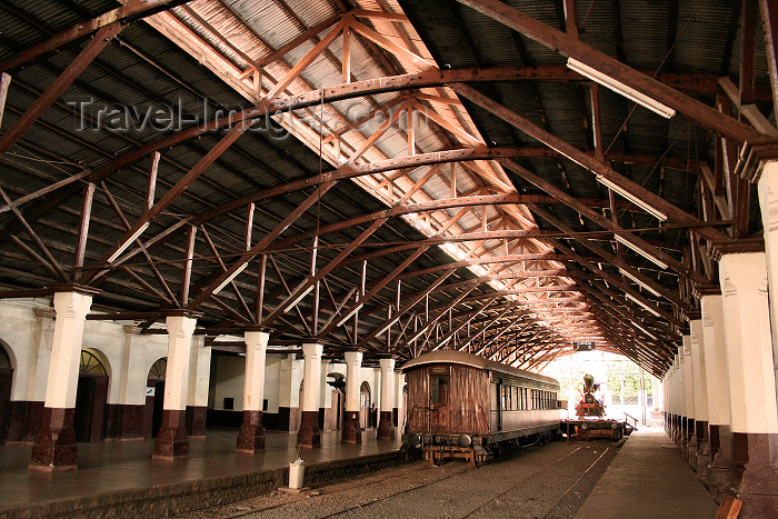 paraguay31: Paraguay - Asunción: railway station built in 1856 / Estacion del Ferrocarril - photo by A.Chang - (c) Travel-Images.com - Stock Photography agency - Image Bank