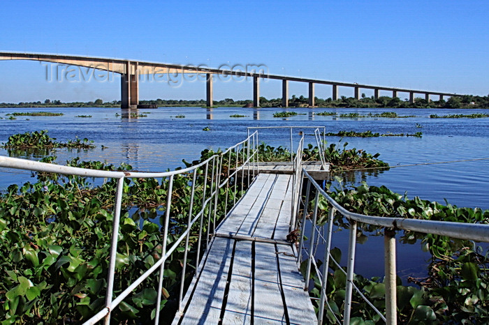 paraguay77: Presidente Hayes department, Paraguay: Remanso bridge over the River Paraguay seen form a small pier - girder design - photo by A.Chang - (c) Travel-Images.com - Stock Photography agency - Image Bank