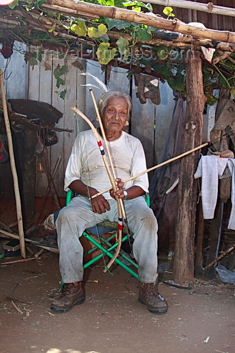 paraguay79: Presidente Hayes department, Paraguay: Maka indian with arrow and bow - near Puente Remanso - photo by A.Chang - (c) Travel-Images.com - Stock Photography agency - Image Bank