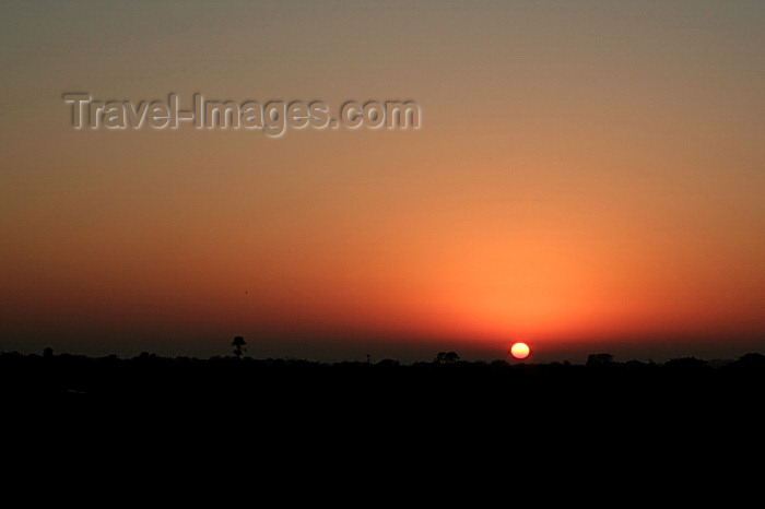 paraguay83: Presidente Hayes department, Paraguay: Sunset over the Gran Chaco - photo by A.Chang - (c) Travel-Images.com - Stock Photography agency - Image Bank