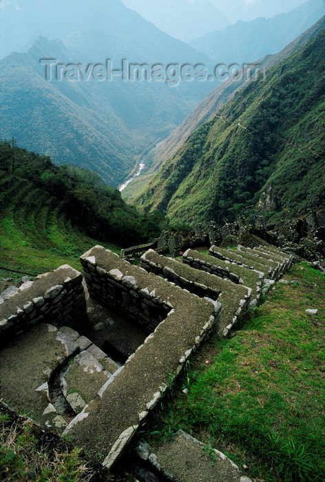 peru178: Huiñay Huayna, Cuzco region, Peru: the Ritual Baths, a few hours from Machu Picchu - terraces - Inca Trail - photo by C.Lovell - (c) Travel-Images.com - Stock Photography agency - Image Bank