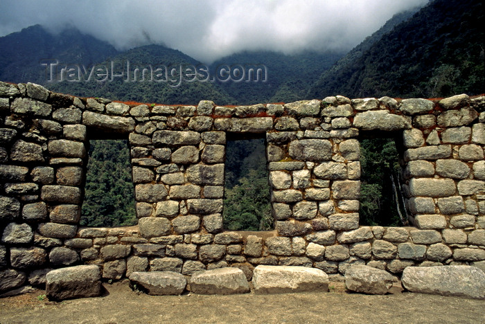 peru179: Huiñay Huayna, Cuzco region, Peru: Inca style windows - Inca Trail - photo by C.Lovell - (c) Travel-Images.com - Stock Photography agency - Image Bank