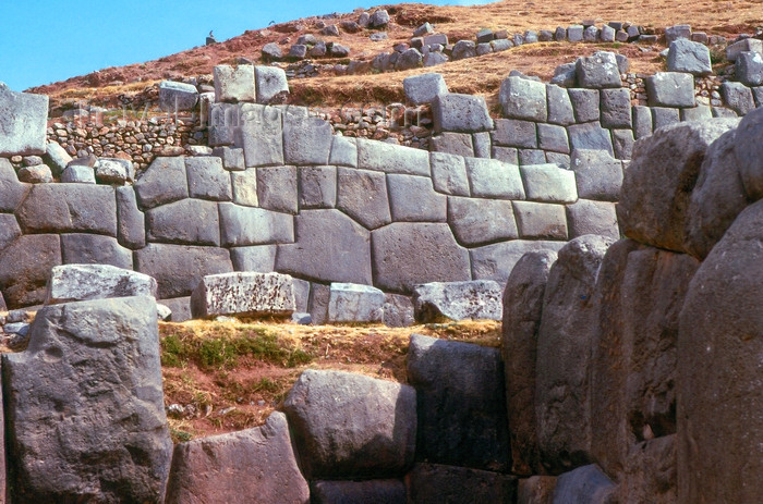 peru18: Peru - Cusco: Cyclopean walls of Sacsahuaman - ruins - photo by J.Fekete - (c) Travel-Images.com - Stock Photography agency - Image Bank