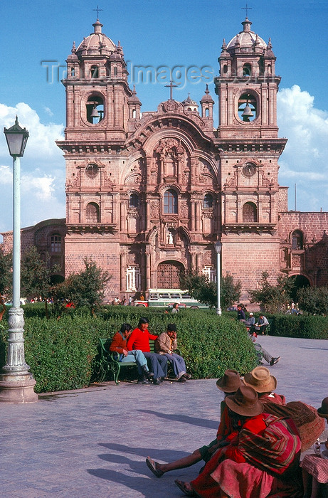 peru36: Cuzco, Peru: La Compa&#241;ia church - Spanish splendour for the ancient Inca capital - Plaza de Armas - Unesco world heritage site - photo by J.Fekete - (c) Travel-Images.com - Stock Photography agency - Image Bank