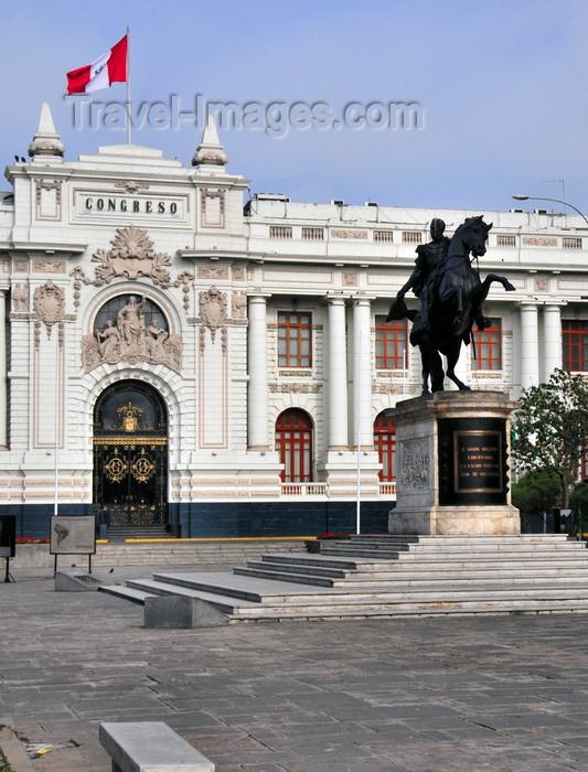 peru66: Lima, Peru: Plaza Bolivar - equestrian statue of Bolivar and Legislative Palace - Congress of Peru - Monumento al Libertador y Congreso Nacional - photo by M.Torres - (c) Travel-Images.com - Stock Photography agency - Image Bank