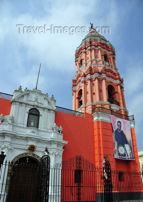 peru96: Lima, Peru: Basilica of Our Lady of the Rosary, with picture of Saint Matín de Porres, who rests inside - Santo Domingo - Conde de Superunda st. - photo by M.Torres - (c) Travel-Images.com - Stock Photography agency - Image Bank