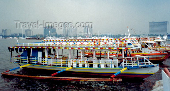 phil10: Philippines - Manila: public transportation - commuter boats - photo by M.Torres - (c) Travel-Images.com - Stock Photography agency - Image Bank