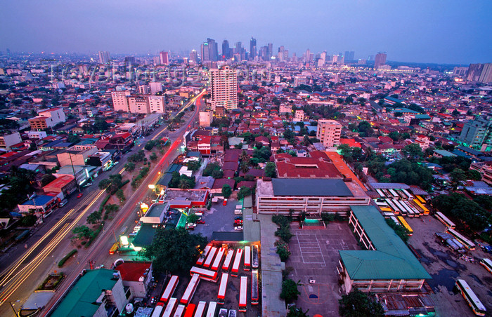phil36: Manila city, Philippines - skyline - photo by B.Henry - (c) Travel-Images.com - Stock Photography agency - Image Bank