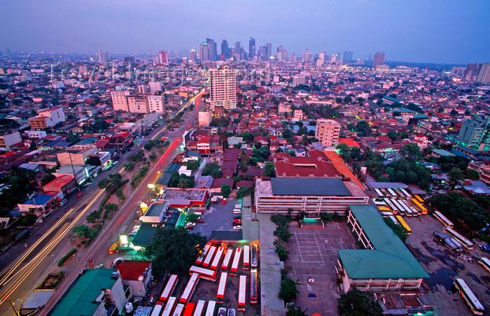 phil36: Manila city, Philippines - skyline - photo by B.Henry - (c) Travel-Images.com - Stock Photography agency - Image Bank