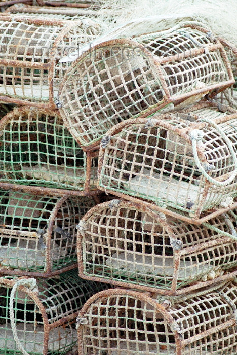 portugal-li202: Ericeira (Concelho de Mafra): fishing gear - lobster traps - armadilhas para lagostas - photo by Francisca Rigaud - (c) Travel-Images.com - Stock Photography agency - Image Bank